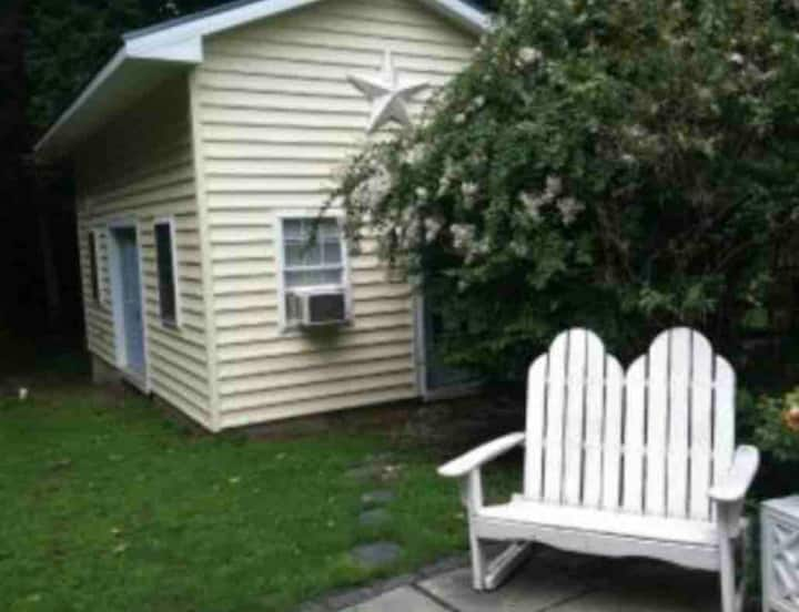 Studio beach cottage! Close to Lewes & Rehoboth