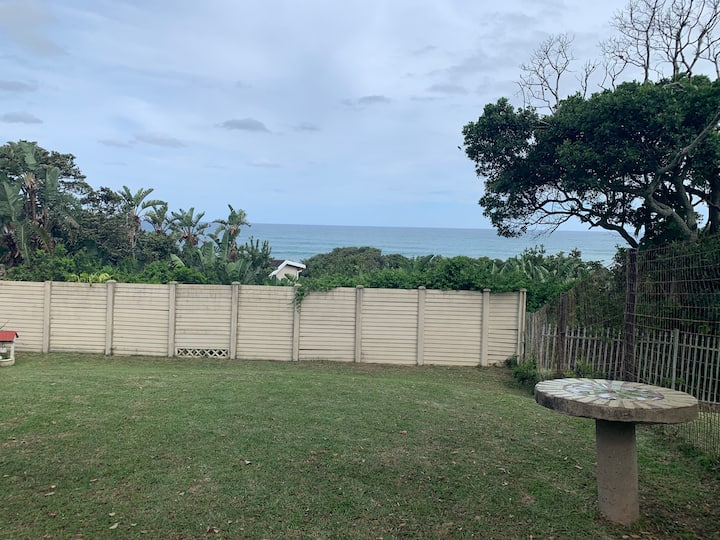 Pan's Paradise Leisure Bay Home with a view