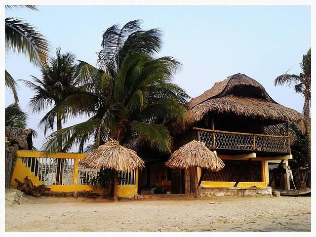 La Chalupa Beach House