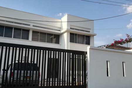 Casa en Anapoima Completa, piscina jacuzzi para 10