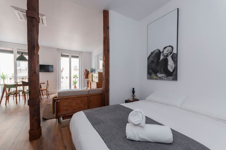 Enjoy Madrid at LAVAPIES - ESTUDIO 2PAX + WIFI