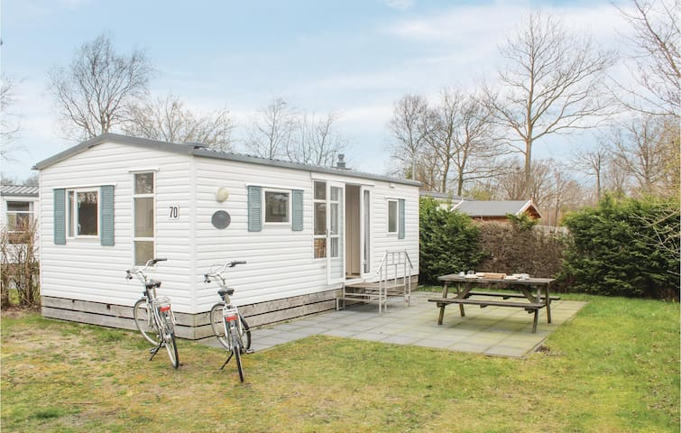 Holiday cottage with 2 bedrooms on 30m² in Lauwersoog