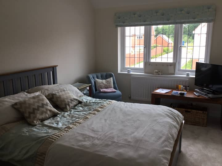 Spacious room close to the Moors