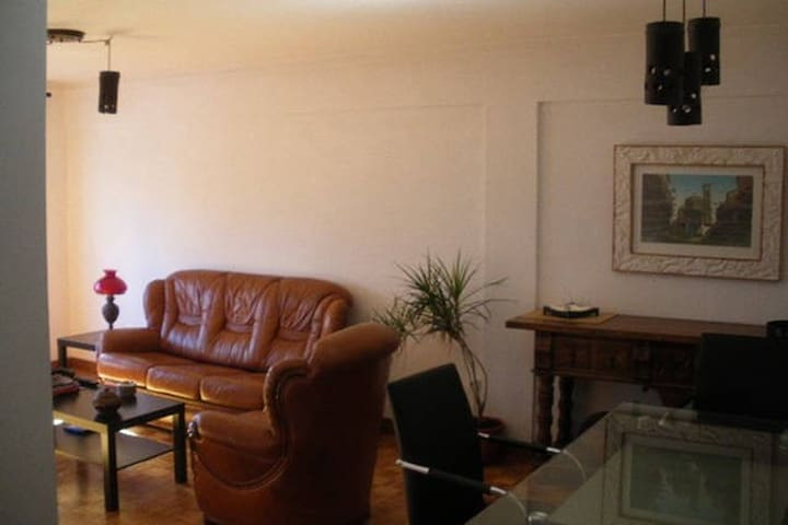 """GuestHouse """"A Tripeira"""" Double Sofá-Bed - Porto - Apartamento"""