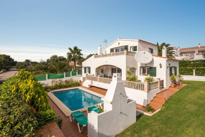 """Stunning Holiday Home """"Villa Rasen"""" with Sea View, Wi-Fi, Balcony, Terrace, Pool & Garden; Parking Available"""