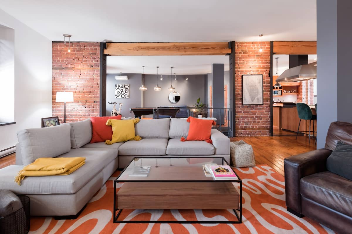 Beautifully Renovated Rustic Loft with a Private Terrace.