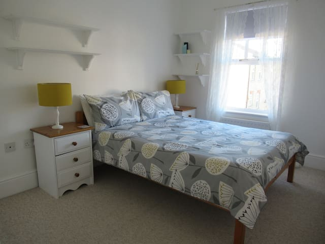 Smart double room with private bathroom.