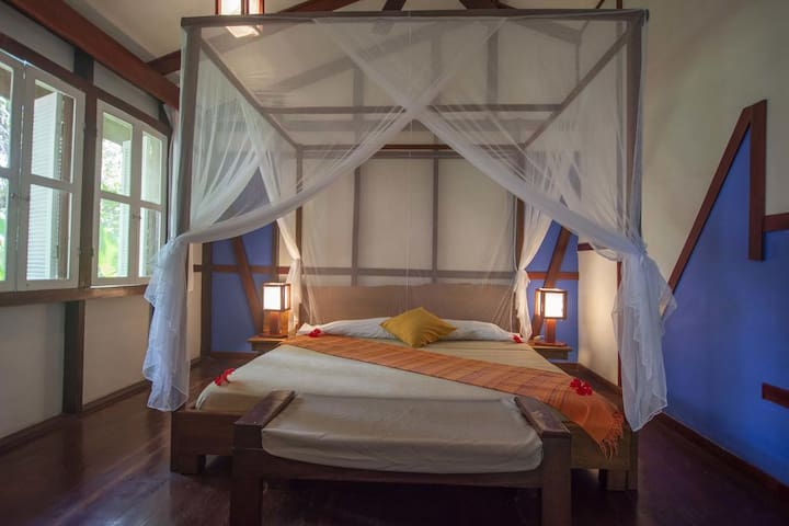 Bungalow Suite with Jacuzzi at the Terrace