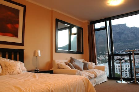 Up-Market Studio Flat in Four Seasons, Cape Town - Kaapstad - Appartement