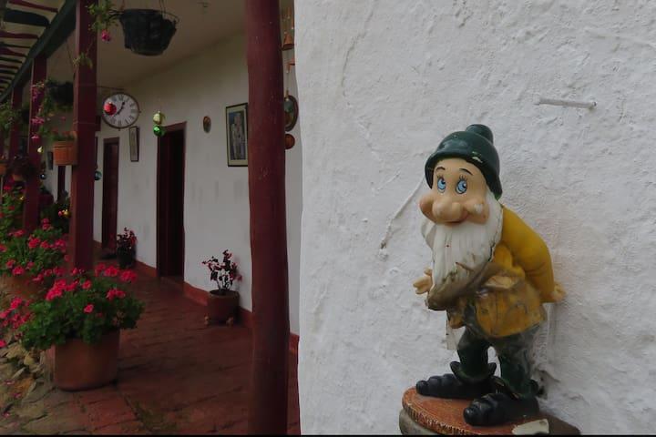 Vieja Casona Colonial, vía Tunja Villa de Leyva - Tunja - Jiné