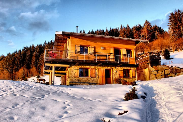 Amazing apt with mountain view
