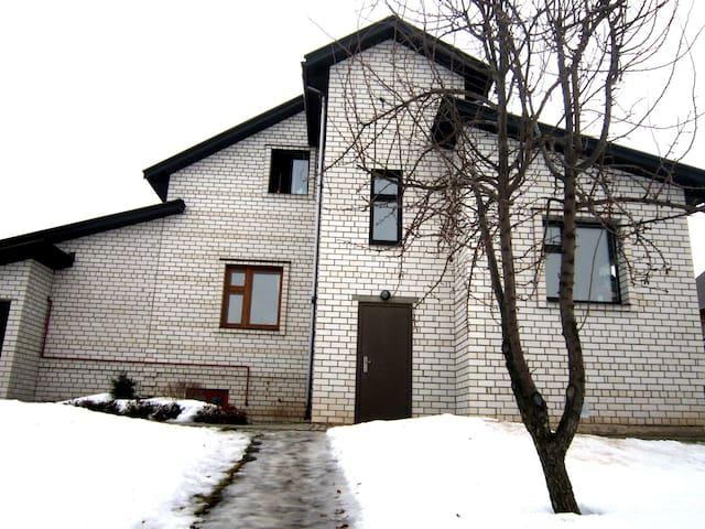 Снимайте дом по цене гостиничного номера - Suzdal' - Rumah