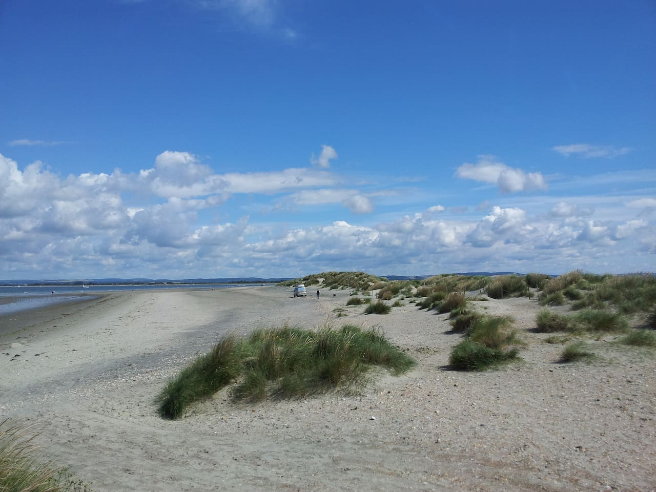 East Head is a sandy wildlife sanctuary maintained by the National Trust and free for all to use including dogs.