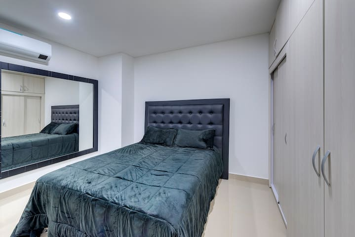 Queen Bedroom Suite with Safe/Lockbox includes a Samsung 55 in UHD LED TV, DirectTV + Netflix