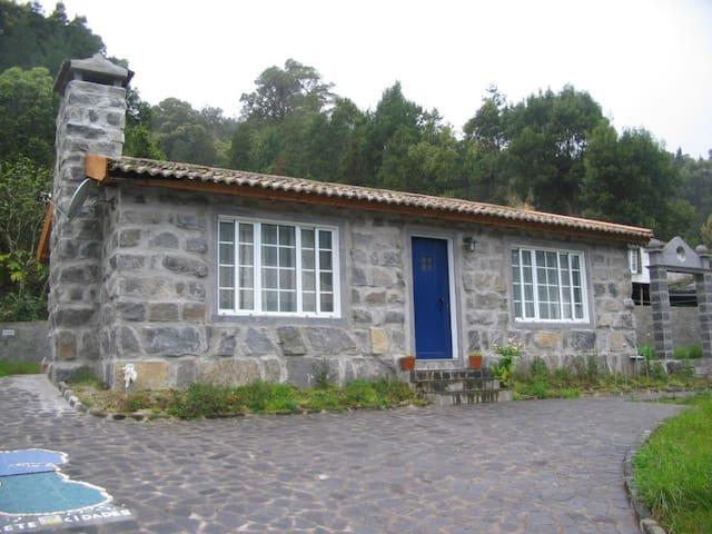 São Miguel cosy stone cottage - Sete Cidades