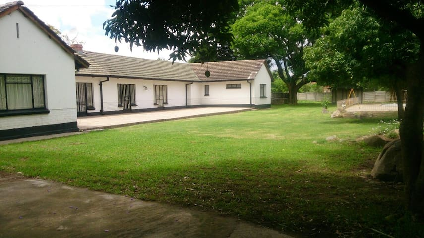 PambaNice Waterfalls Guest House - Harare - Guesthouse