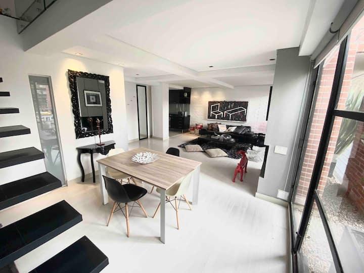 Luxury Duplex/PH, excellent Design Long Season