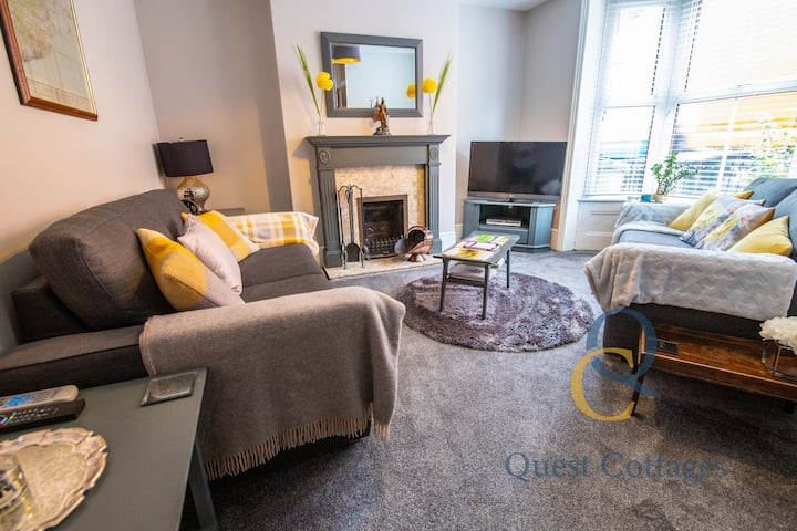 No. 65 - 3 bedroom house in the heart of Rye - 2 minutes walk from cobbled streets - private garden - sleeps 6