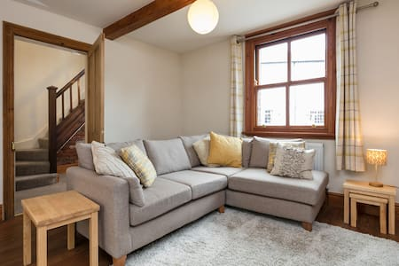 Pet-friendly,no fees for cleaning,Croston centre