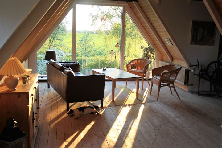 Cosy Cottage in the countryside, near to Aakirkeby - Aakirkeby - Huis