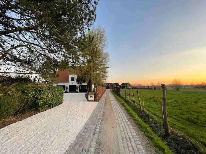 MaisonDO is a luxury villa on a romantic location!