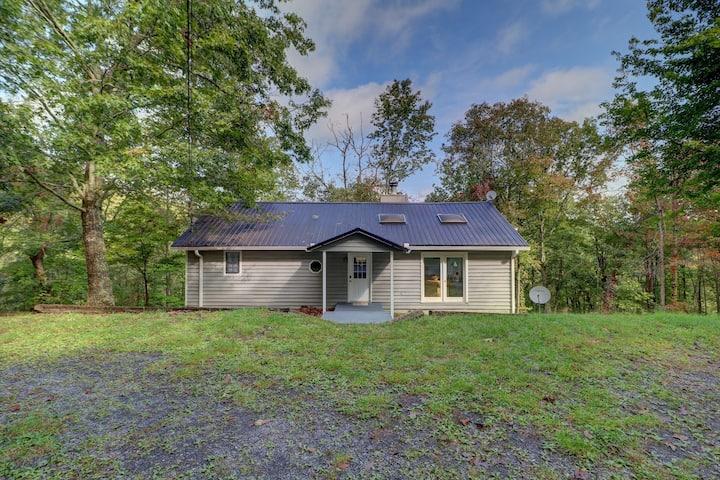 Comfortable home near Carter's Lake
