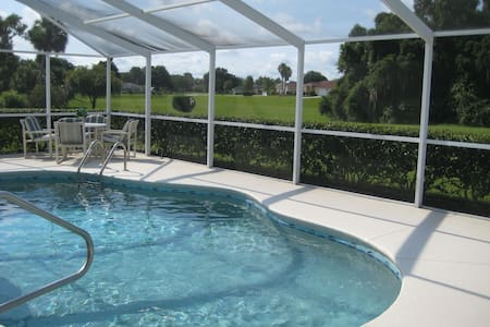 Nice villa with private pool at Golf course - Hernando