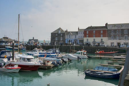 Harbourside at South Quay, Padstow - Padstow