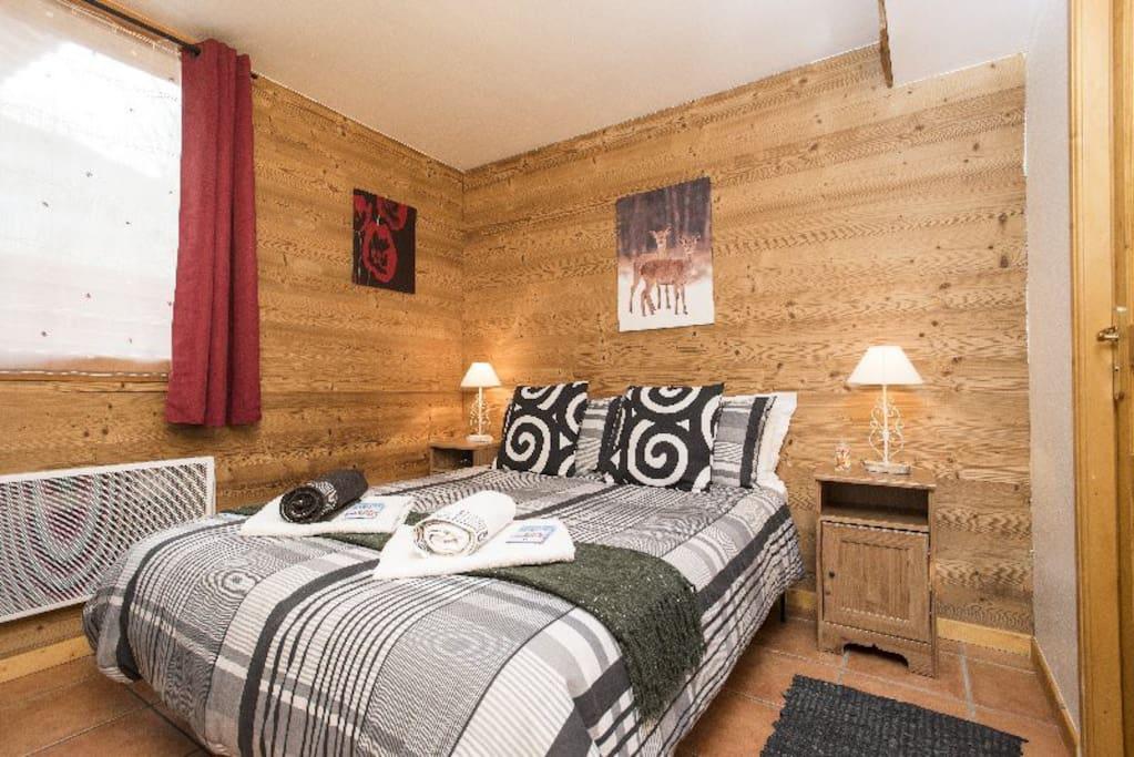 Three Valley ski Chalet Kimberley - double en-suite.