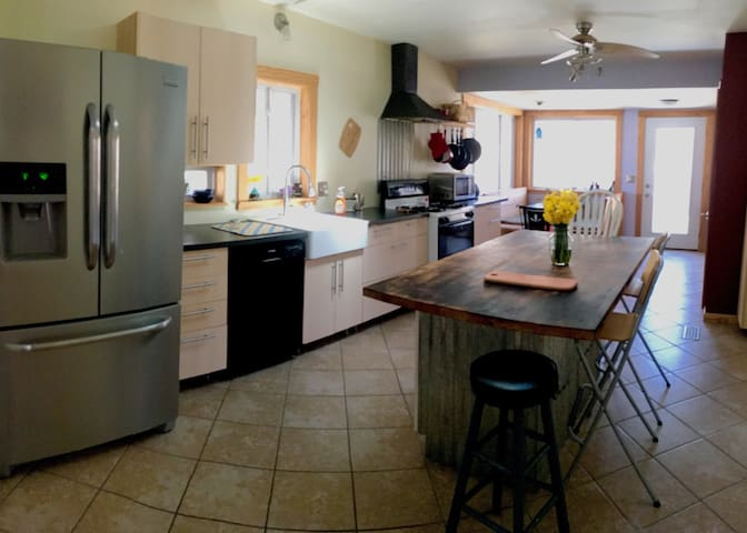 Fully equipped  kitchen,  perfect for cooking.