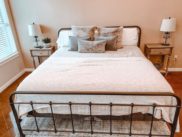 Bed 1 -Master Bedroom