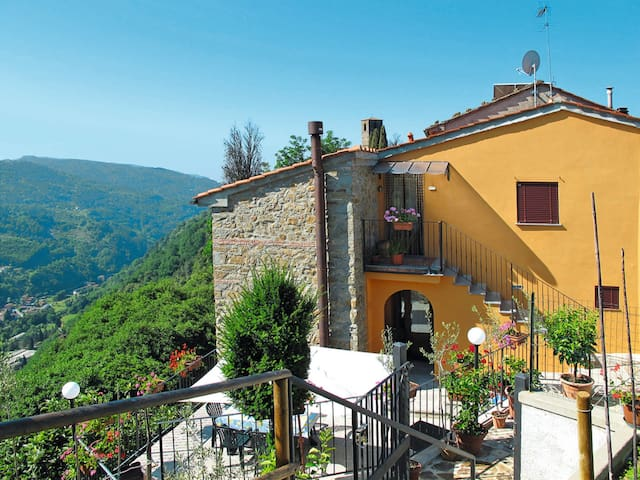 Apartment Poggetto Pellegrini for 4 persons