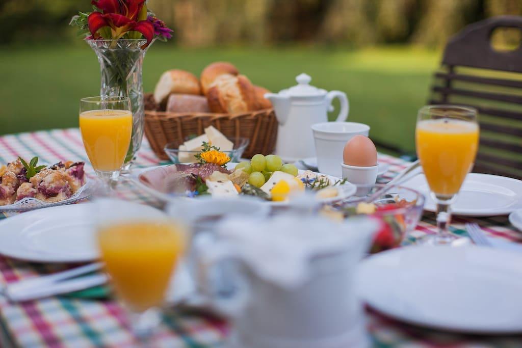 Frühstück auf Wunsch buchbar, EUR 9,00