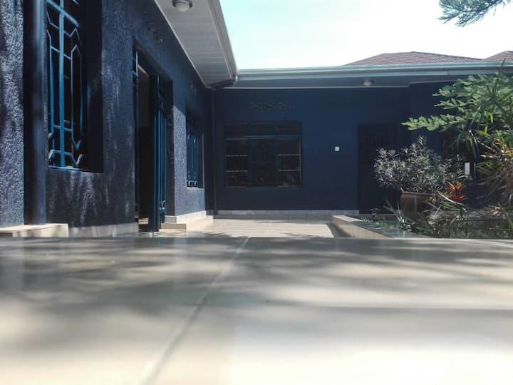 2 Belles maisons de location pour chambres privées