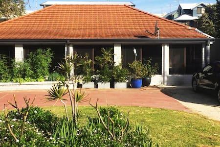 Mandurah Beach House - Mandurah