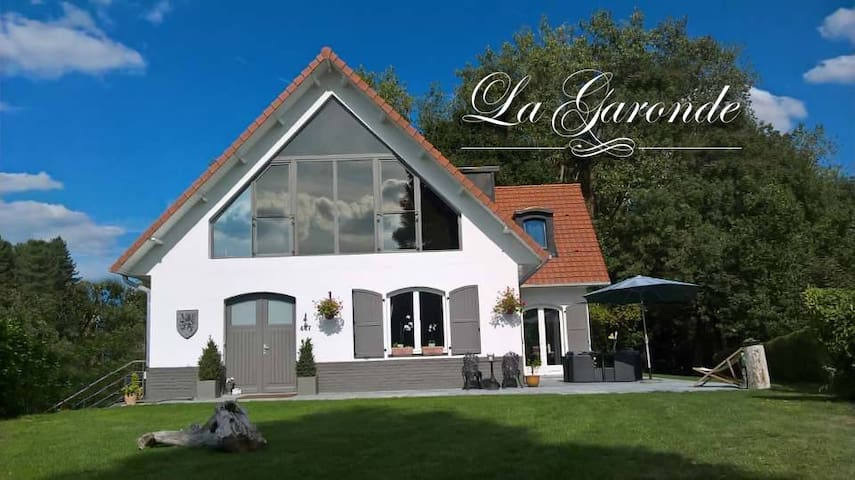 La Garonde, Chambre des Daims.