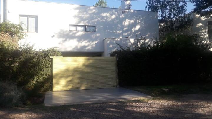 Alquilo casa en Cruz de Piedra Maipú