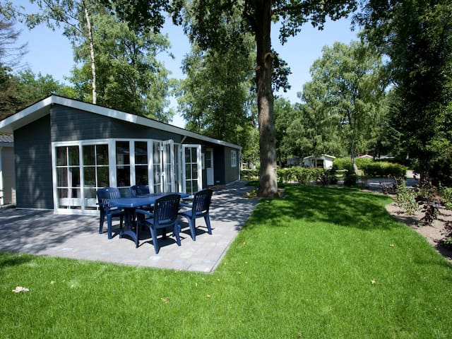 Gemütliches Ferienhaus D in Arnhem für 4 Personen