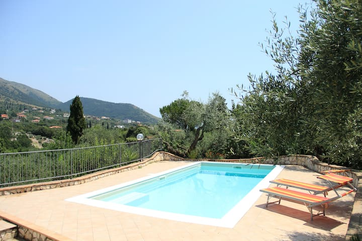 Spacieuse propriété avec piscine - Itri - Rumah