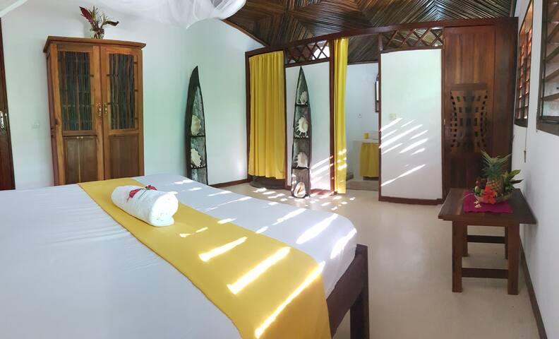 Chambre 3 avec salle de bain
