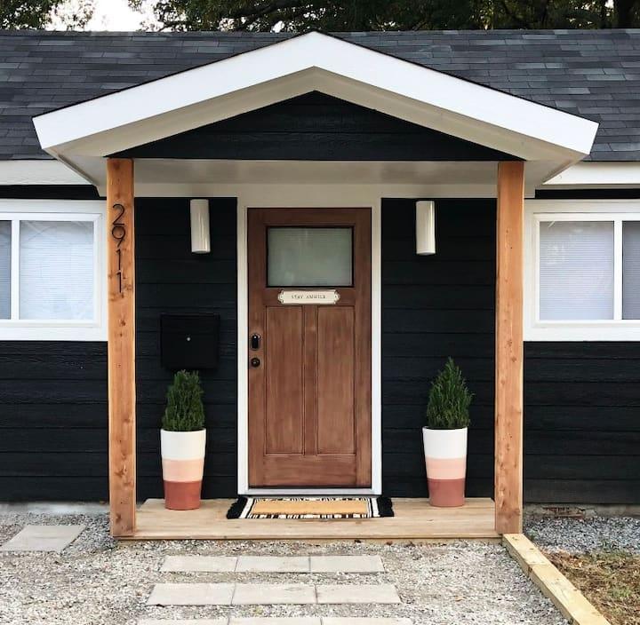 Cozy Tiny Home - centrally located
