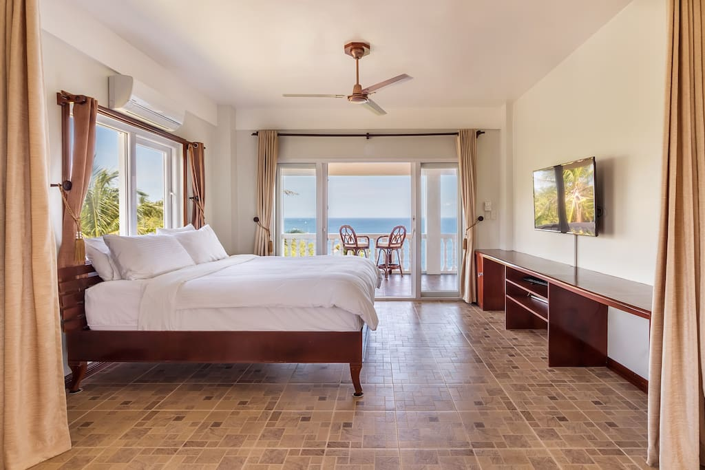 Master Bedroom where you wake up to the ocean