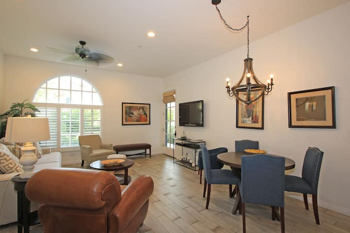 Beautifully Remodeled Downstairs 2 Bedroom Villa LQ160 LIC#259376| Sleeps: 2 Bedroom, 2 Bathroom