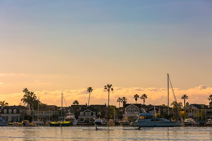 15% OFF APRIL - Walk to Beach, Bay, Restaurants, Ferry and Fun Zone - Newport Beach - Hus