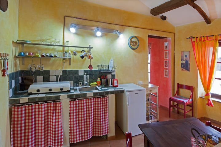 Dogiani big apartment in countryhouse in the hills - Belvedere Langhe - Byt