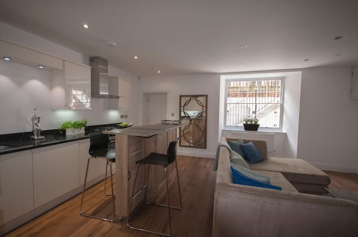 Stunning ground floor central flat - Winchester - Apartamento