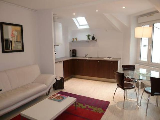 Very center Appartment, quiet&cosy!