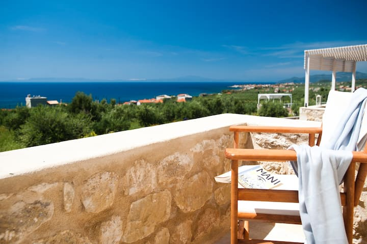 Sea view w Pool maisonette 2 bed