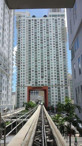 Miami Downtown limpio tranquilo puertoarenabayside