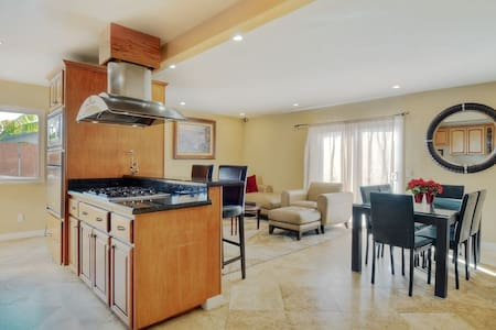 Beautiful Home only 1 Mile from Cardiff Beaches - Encinitas - Haus